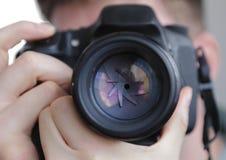 DSLR-Kameraobjektivfensterladen lizenzfreie stockbilder