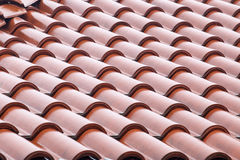 Détail haut étroit de tuiles de toit Image libre de droits