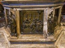 Détails des Di San Giovanni, Sienne, Italie de battistero Photographie stock libre de droits