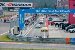 DTM (Deutsche Tourenwagen Meisterschaft) op MRW (het Toevoerkanaal van Moskou), Moskou, Rusland, 2013-08-04 Royalty-vrije Stock Afbeelding