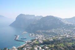 Duży widok nad portem Capri obrazy royalty free