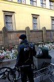DUŃSKA policja TERAŹNIEJSZA PRZY żyd synagoga Zdjęcie Royalty Free