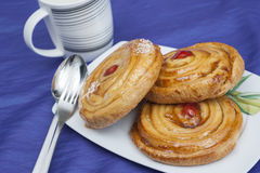 Duński ciasto na talerzu zdjęcie royalty free