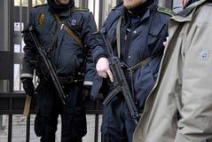 DUŃSKIE policj teraźniejszość PRZY żyd synagoga Obraz Stock