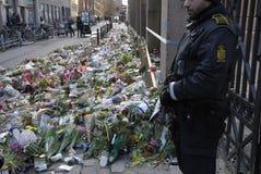 DUŃSKIE policj teraźniejszość PRZY żyd synagoga Obrazy Stock