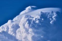 Duża biała cumulonimbus chmura zdjęcie royalty free