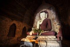 Duża Buddha statua w starym miasteczku, Myanmar. Obrazy Royalty Free