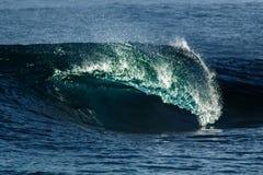 Duża burzowa ocean fala błękitna woda tło Zdjęcia Royalty Free