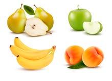Duża grupa różna owoc. Zdjęcia Stock