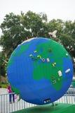 Duża kula ziemska robić lego (pokazuje Afryka) Fotografia Stock