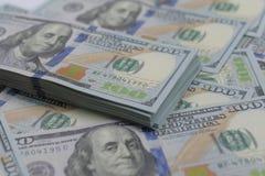 Duża kwota pieniądze USA dolar dla pieniężnego i biznesowego pojęcia jak zdjęcia stock
