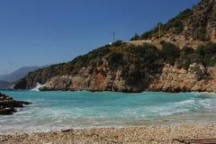 Duża otoczak plaża fotografia stock