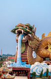 Duża smok statuy głowa, Supanburi, Tajlandia Obrazy Stock
