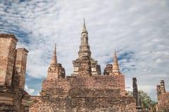 Duża stara świątynia i piękny tło Obraz Royalty Free