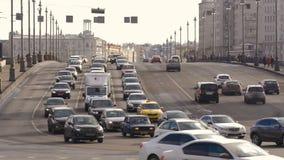 Duża szeroka droga, bardzo ruchliwie samochody ruch drogowy Timelapse zbiory wideo
