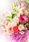 Duża wiązka piękni jaskrawi kwiaty zdjęcie royalty free