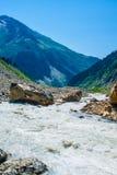 duże krajobrazowe halne góry Kaukaz, Svanetia, Ushguli, Ushba, Gruzja Fotografia Royalty Free