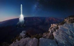 Duże rakiet ziemie lub zdejmują od Ziemskiej powierzchni obrazy royalty free