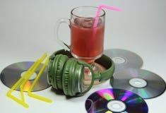 Duże zielone słuchawki z lemoniadą Zdjęcie Stock