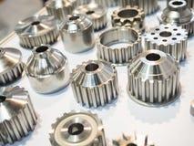 Dużej precyzi części aluminiowa produkcja ciskać i machi fotografia royalty free