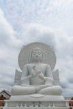 Duży biały Buddha wizerunek Zdjęcia Royalty Free