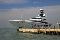 Duży jacht w Wenecja, Włochy Zdjęcie Royalty Free