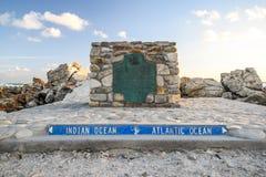 Duży markiera kamień przy przylądkiem AgulhasCape igły, Południowa Afryka, południowy punkt Afrykański kontynent Fotografia Royalty Free