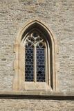 Duży Panna Poślubia kościelne pobliskie kości grobowcowe Fotografia Royalty Free