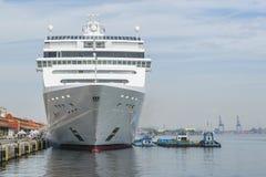 Duży Pasażerski statek Parkujący Rio De Janeiro Brazylia Zdjęcia Stock