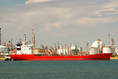 duży przewoźnika fabryczny rafinerii statek obrazy royalty free