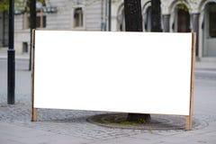 Duży pusty billboard przy ulicą fotografia royalty free