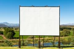 Duży pusty billboard w ładnej scenerii Zdjęcie Royalty Free