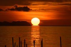 Duży słońce na wschodzie słońca Obraz Stock