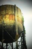 Duży stary wiadro wodny tło Obrazy Stock