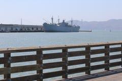 Duży statek na rybaka nabrzeżu jest sąsiedztwem popularnym atrakcją turystyczną w San Fransisco i, Kalifornia Zdjęcie Stock