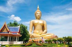 Duży złoty Buddha przy Watem Muang Ang paska prowincja Tajlandia Zdjęcia Stock