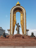 DUŠANBE, TAJIKISTAN-MARCH 15,2016: Statua di Ismoil Somoni nel centro della città Fotografie Stock Libere da Diritti