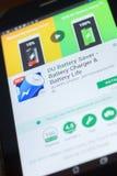 DU Bateria Ciułacz wisząca ozdoba app na pokazie pastylka pecet Ryazan Rosja, Kwiecień - 19, 2018 - Obrazy Stock
