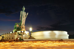 Duża Buddha statua przy zmierzchem, Thailand Zdjęcie Stock