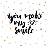 Du gör min hjärta att le Inspirerande ordstäv för kort för dag för valentin` s Typografi på delikat bakgrund med blått och Arkivfoto