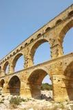 Du Gard van Pont brugfragment Stock Fotografie