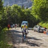 非职业女性骑自行车者 免版税库存图片