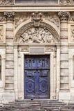 du Kościół: Architektoniczni szczegóły Paris france obraz stock