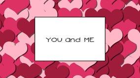 DU och JAG förälskelsekortet med Cherry Red hjärtor som en bakgrund, zoomar in arkivfilmer