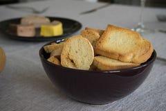 Du pain grillé et des pâtés Images stock