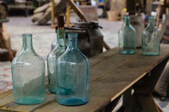 Duża pusta szklana butelka Fotografia Stock