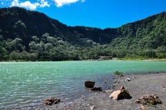 Du vieux volcan du cratère lac turquoise maintenant, Alegria, Salvador Image stock