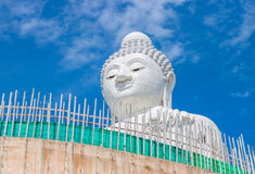 Duży Buddha w niebieskim niebie Phuket Tajlandia Zdjęcia Royalty Free