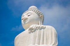 Duży Buddha w niebieskim niebie Phuket Tajlandia Zdjęcia Stock