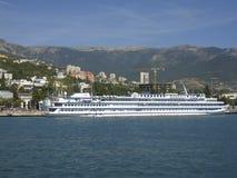 duży czarny Crimea denny statku miasteczko Yalta Fotografia Royalty Free